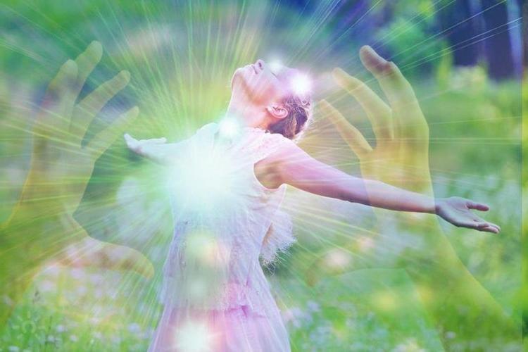 Как понять, что кто-то питается вашей духовной энергией: основные признаки