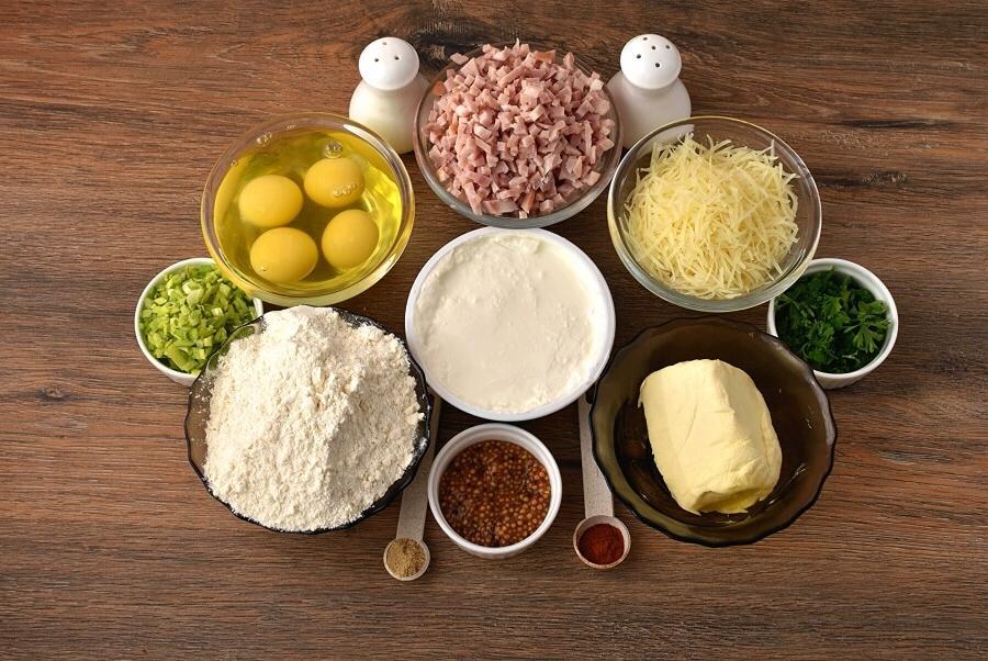 На праздничный стол всегда готовлю сырные слойки с салатом из ветчины: отличная альтернатива невзрачным бутербродам