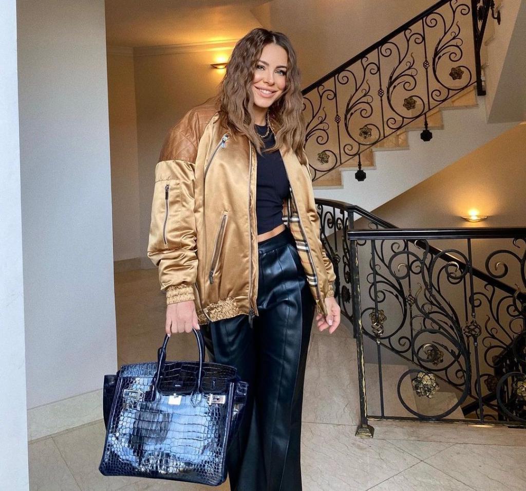 Уроки стиля от Ани Лорак. Певица показала, как модно одеваться осенью
