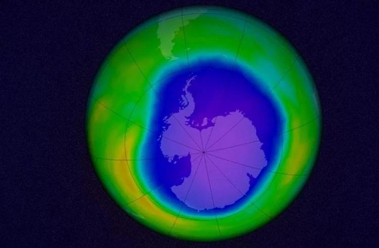 Озоновая дыра над Антарктидой увеличилась в 2020 году