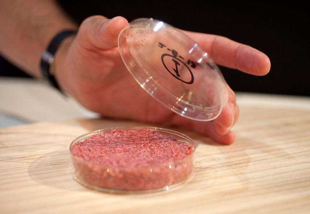 Биотехнологии позволяют производить мясо и рыбу без необходимости забоя животных