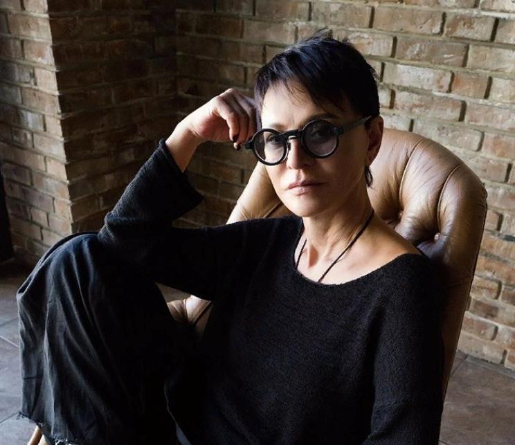 Это Вы вообще? : поклонники не узнали Ирину Хакамаду без ее фирменных очков