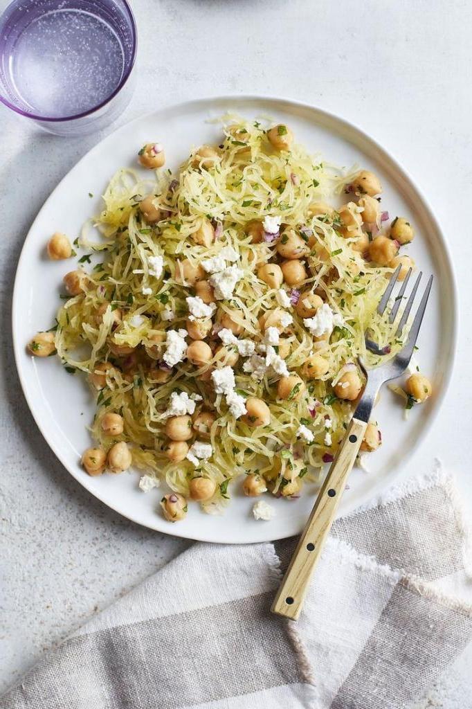Спагетти из тыквы и обжаренный нут. Вкусное блюдо для семейного ужина