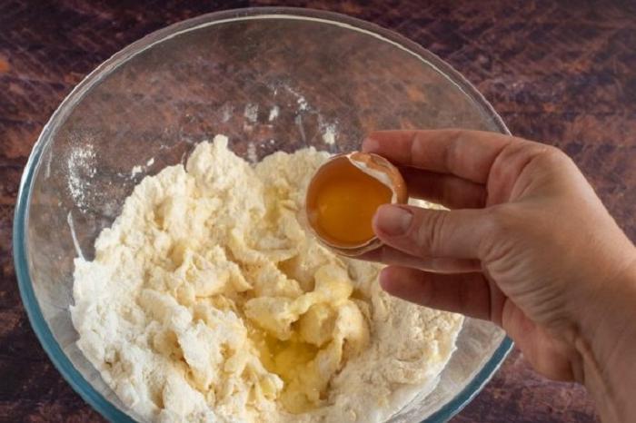 На праздничный стол всегда делаю тарталетки с миндалем и нежным кремом из пенного. Оказывается, вкусный десерт без молока   это реально