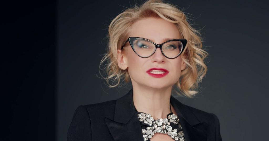 Маленькое черное платье : Эвелина Хромченко на  Модном приговоре  рассказала, какие черные вещи скроют лишний вес