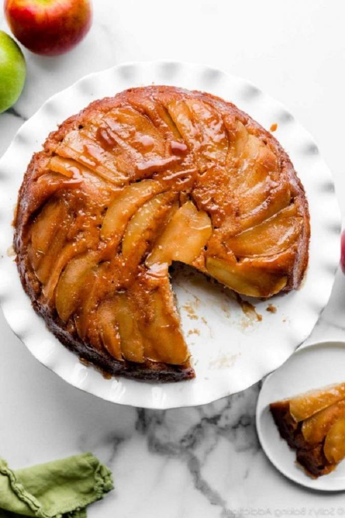 Когда остаются яблоки, готовлю к чаю фантастический пирог «Вверх дном»