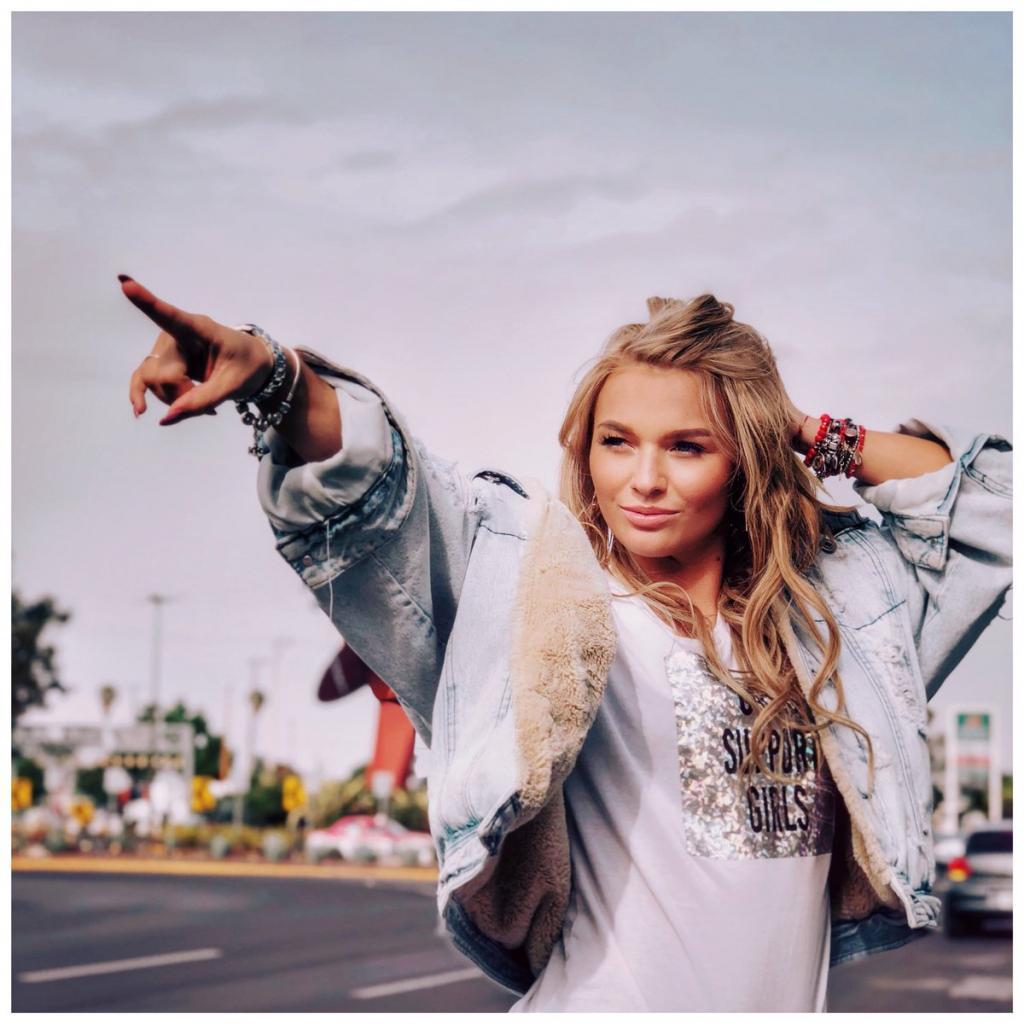 Российская модель Ирина Баева вернулась в Мексику после того, как превратила улицы Нью-Йорка в настоящий подиум