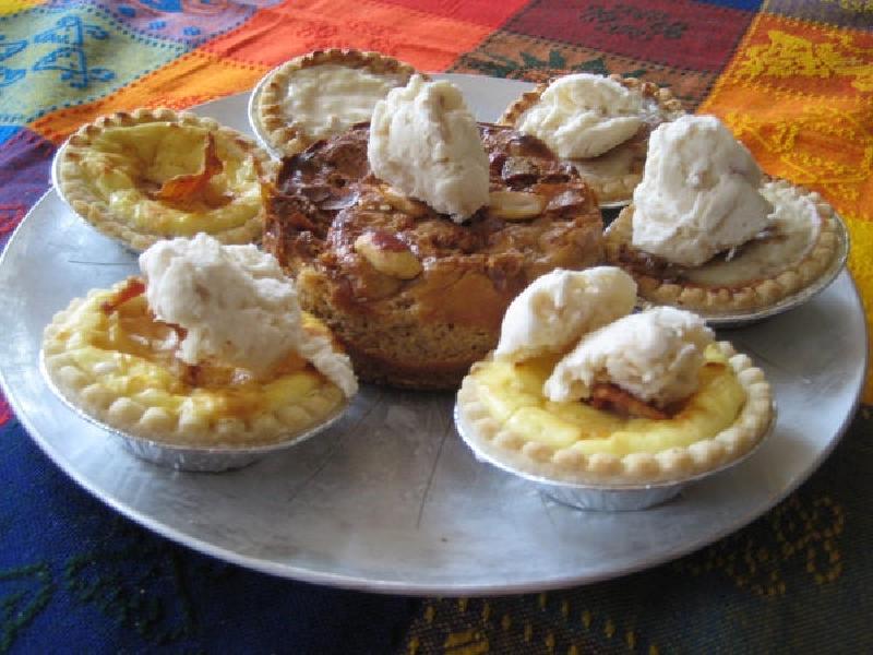 Миниатюрный чизкейк с беконом – идеальное лакомство для семейных посиделок: приготовить пирожное не так уж и сложно