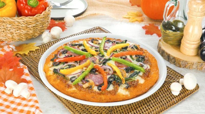 Безумно понравилась пицца на тыквенном тесте с салями и грибами