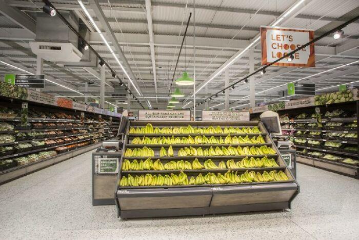 Чтобы сократить использование одноразового пластика, компания запускает первый магазин, где можно покупать продукты без его применения