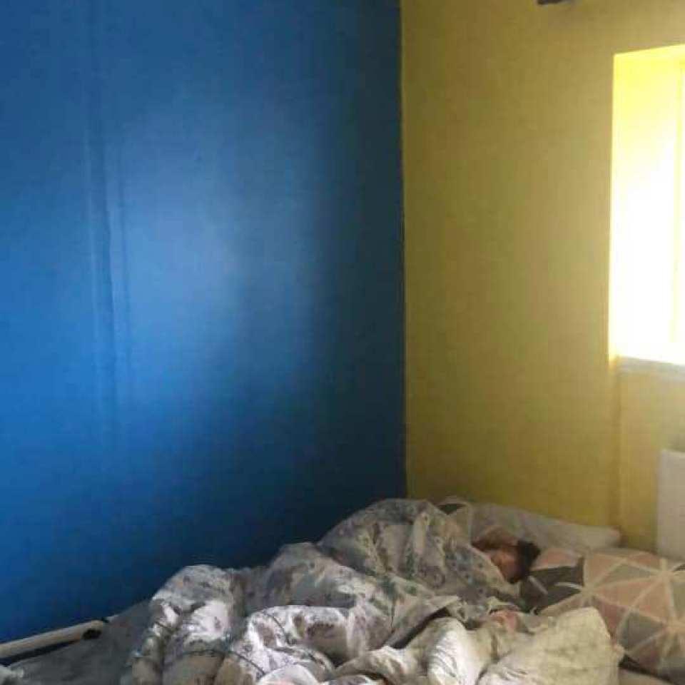 Государство выделило бездомной женщине муниципальное жилье. Всего за £50 ей удалось превратить его в красивый и уютный дом для семьи (фото)