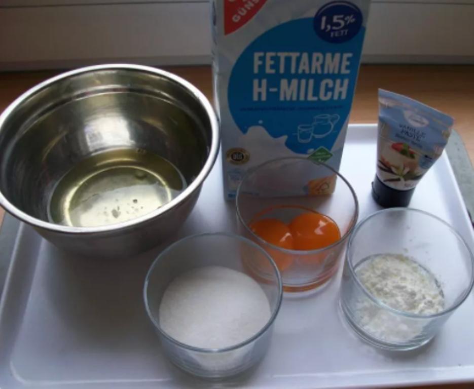 Снежки в теплом ванильном соусе. Десерт готовится около 20 минут, а как его любят дети!