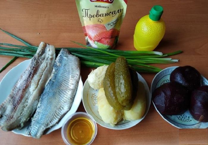 На Новый год приготовлю вместо селедки под шубой полосатый салат: простой рецепт