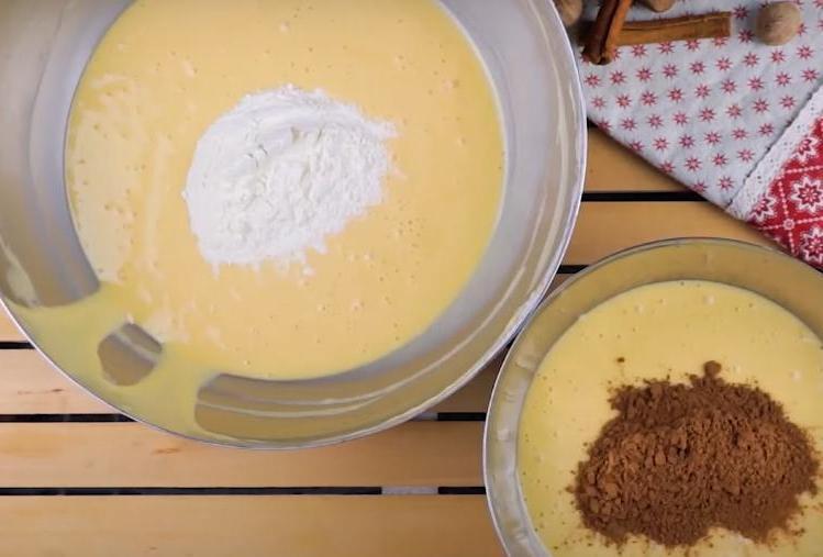 Бисквитный торт-пенек с ежиками на вершине: готовить такой для деток - одно удовольствие