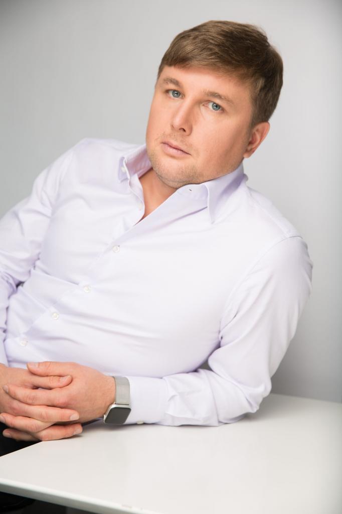 Рустам Гильфанов - фото, карьера, образование, благотворительность, инвестиции