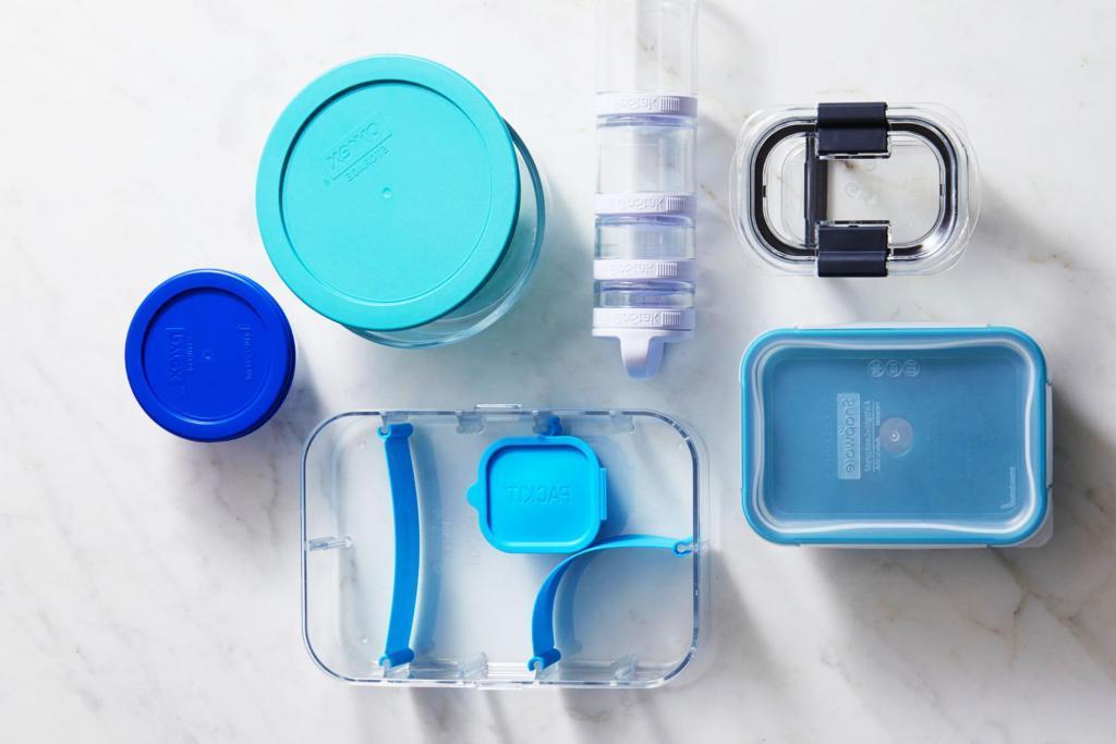 Маркируйте остатки, а свежие продукты убирайте подальше: 7 советов по организации переполненного холодильника