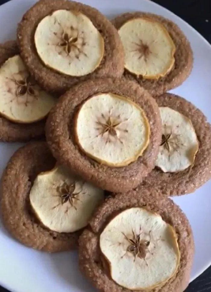 Рататуй, имбирно-яблочное печенье и еще пара блюд из известных фильмов, которые воплотила в жизнь тиктокерша