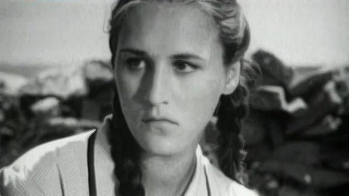 Мордюкова была замужем за Тихоновым, когда без памяти влюбилась, но от мужа не ушла (об этом она жалела до конца жизни)