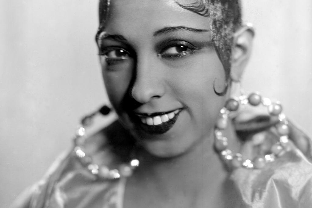 Кошачий взгляд: реальная история старейшего в мире трюка для макияжа