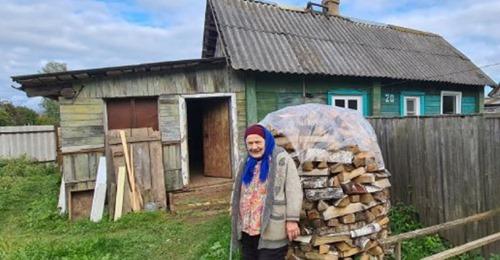 Бабушка с характером. В 80 лет Мария Федоровна Матвеева начала жизнь с чистого листа. Сбежала из дома престарелых и купила старую лачугу в поселке. Жизнь в казенных стенах показалась ей невыносимой