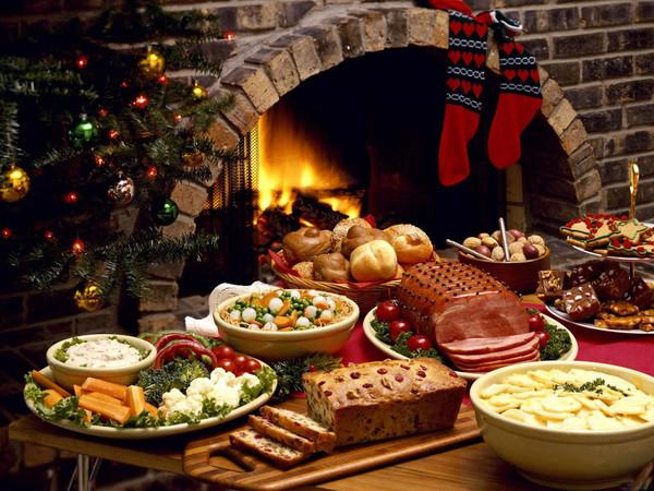 Готовлю на Новый Год всего одно блюдо, 2 салата и никаких закусок: мой праздничный стол в 62 года