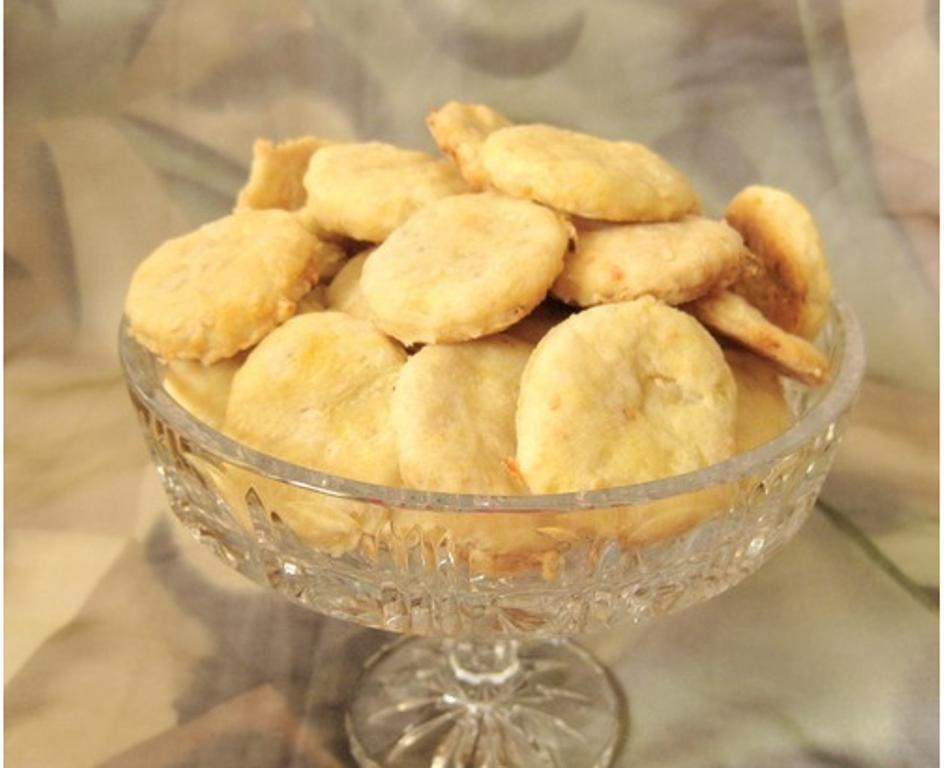 Когда на диете хочется вкусного. Несладкое луковое печенье с оливами