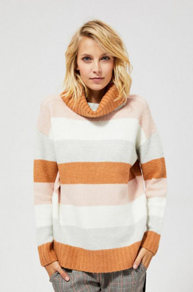Зимняя мода: теплый свитер с высоким воротом отлично подойдет для создания неповторимых образов