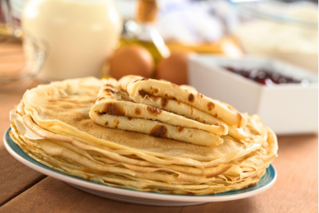 Блины без вреда для талии: достаточно добавить пару ложек масла в тесто