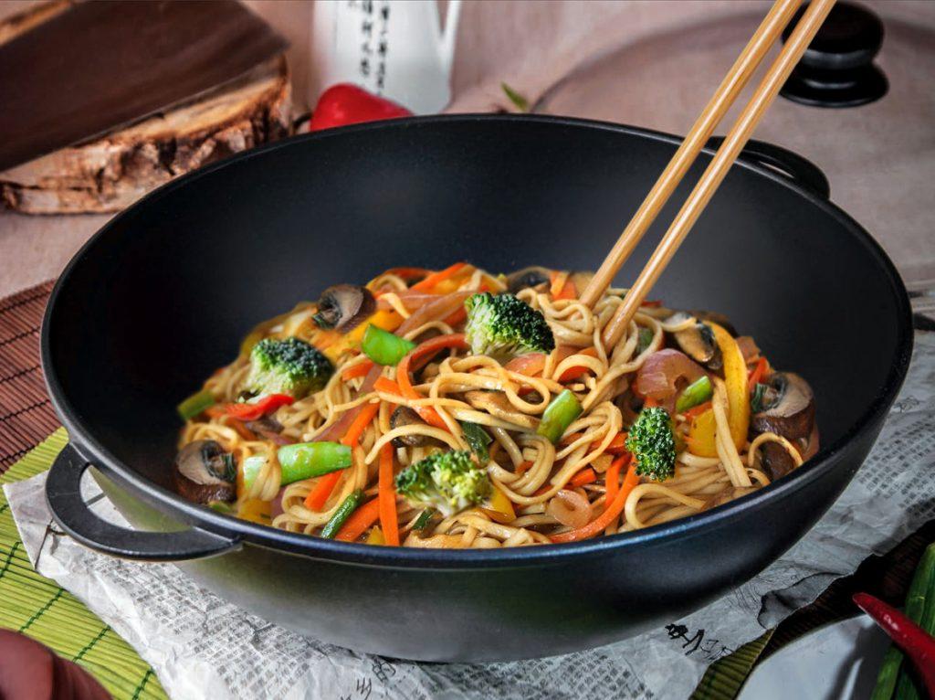 Советы хозяйкам: какая сковорода обязательно должна быть на каждой кухне