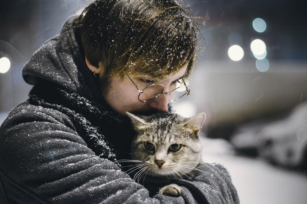 «Он слишком любит кошек!»: эти и другие мелочи, которыми озабочена девушка после первого свидания