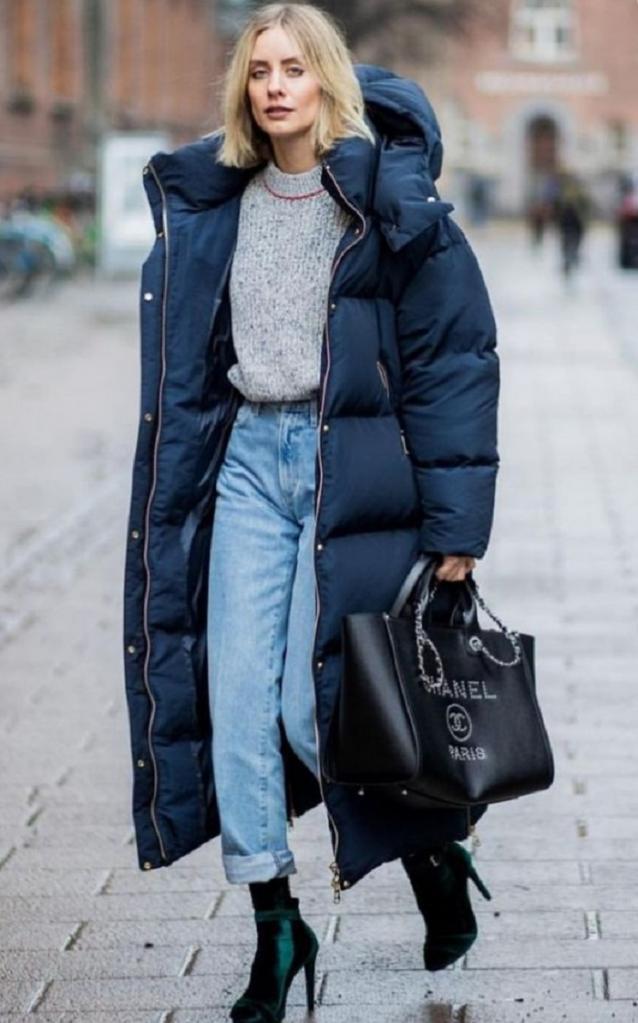 Стильно и тепло: какой пуховик выбрать и с чем носить этой зимой