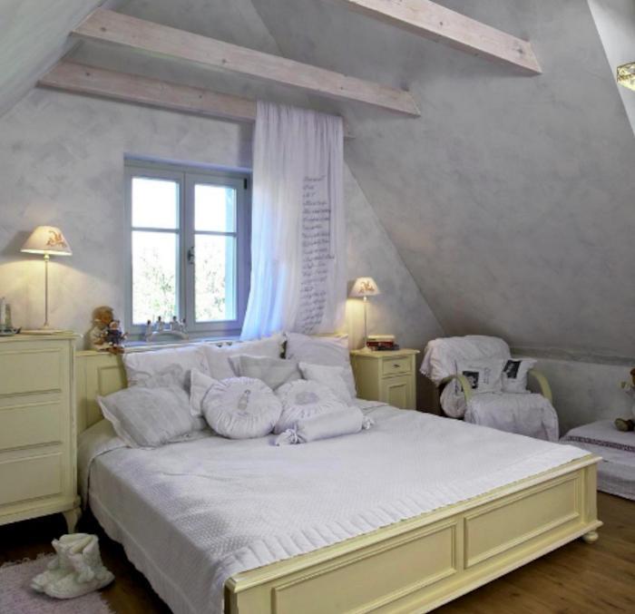 Дом, как в сказке. Идея интерьера зародилась в детстве: девушка исполнила свою мечту, красиво обставив старый бабушкин дом