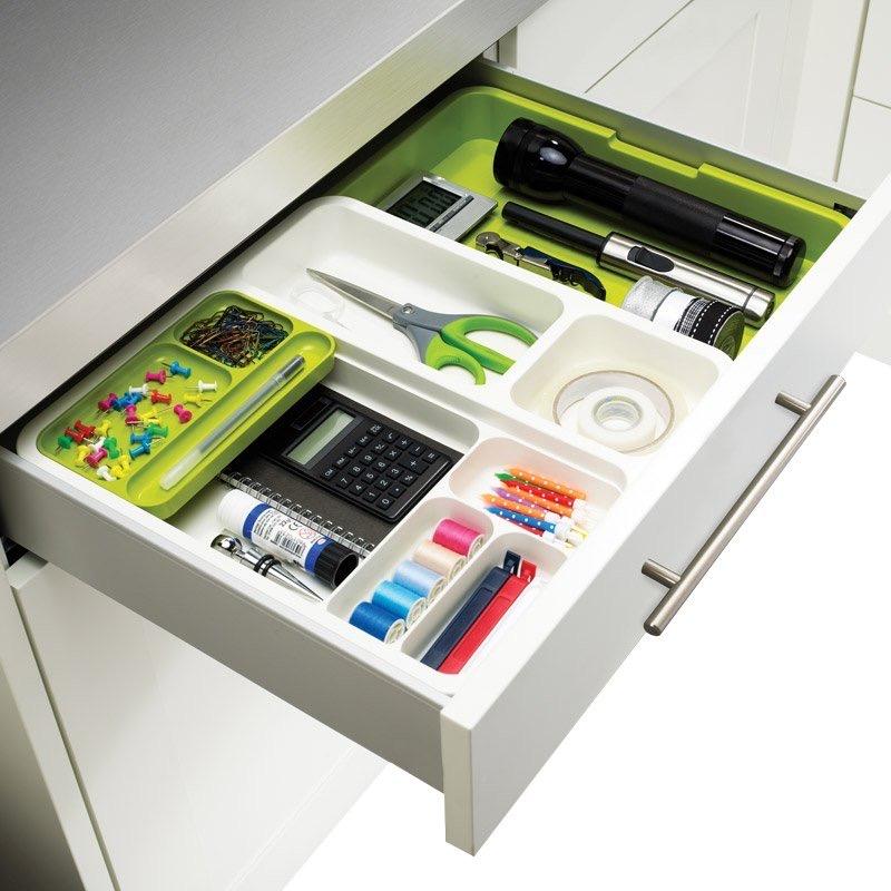 Нужные визитки и купоны соедините держателем: как организовать ящик для мелочей