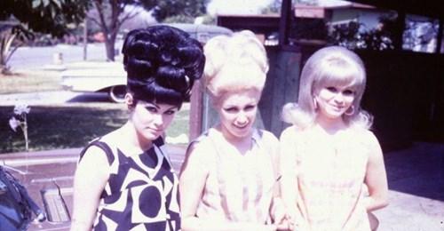 Зачем советские женщины носили в волосах консервные банки?