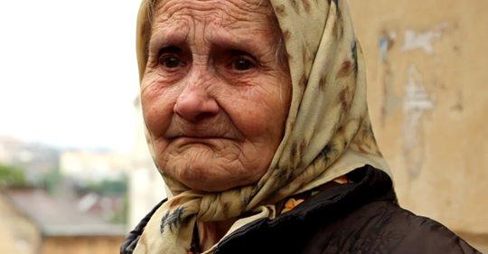 Единственный внук бросил бабушку на пероне и ее очень скоро нестало, но спустя время ему воздалось по заслугам
