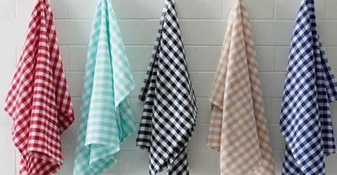 Больше не трачу силы и не стираю кухонные полотенца. Как я делаю их чистыми за 1,5 минуты