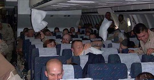 Эта история как раз произошла в самолёте, и началась она с того, что один пассажир случайно услышал разговор двух мужчин