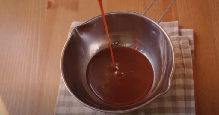 Готовим сочный кекс с карамельной помадкой: мое любимое лакомство