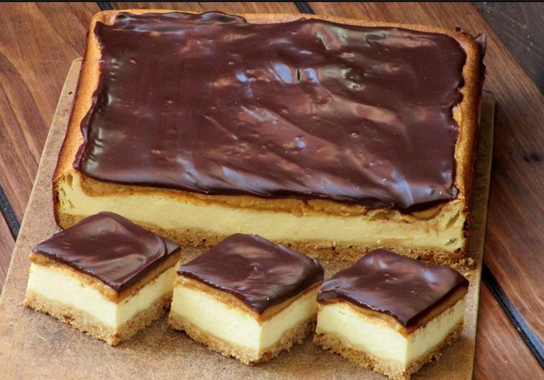 Творожный десерт  Твикс  со сгущенкой хорош всем: получается красивым, да и вкус отменный