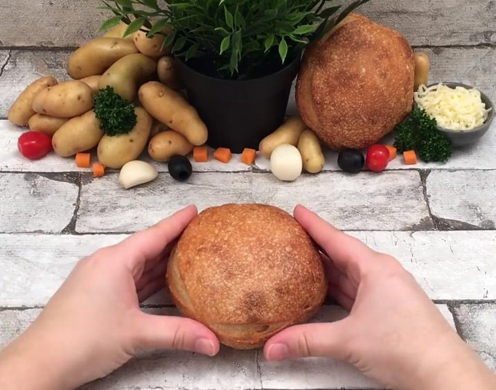 Удивляем деток с помощью необычного лакомства: сытный кролик из хлеба и сырной начинки