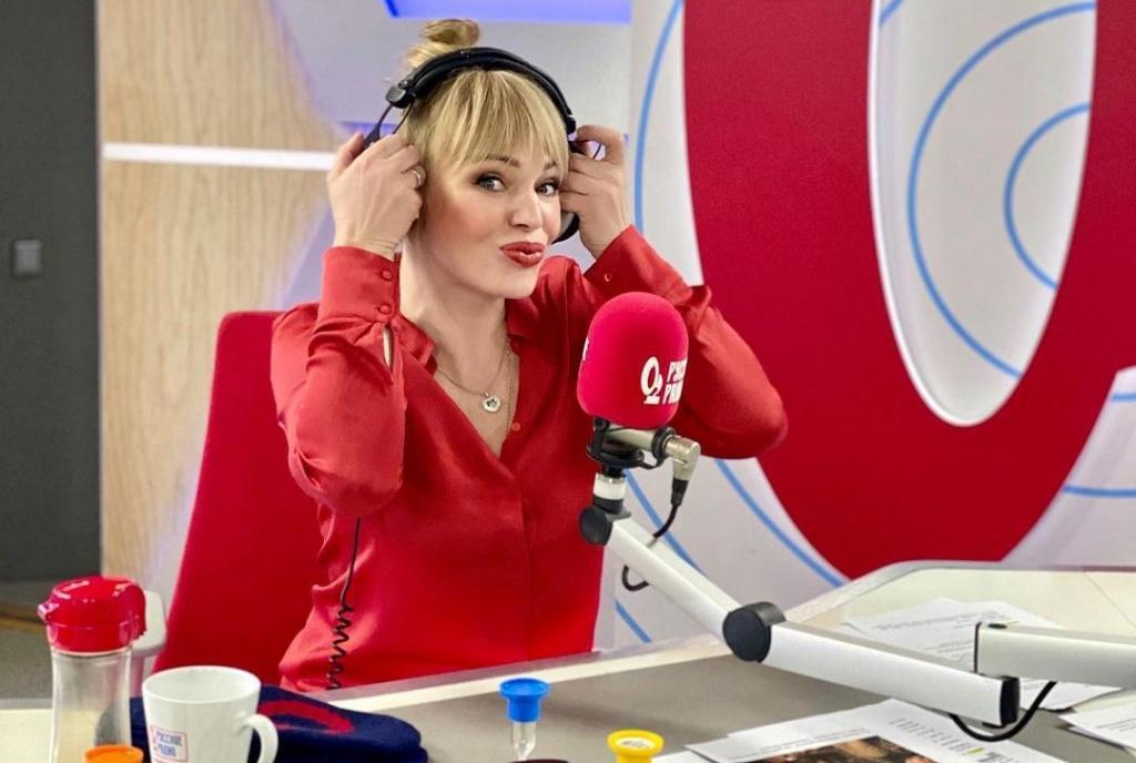Алла Довлатова призналась, почему отдает предпочтение одежде красного цвета