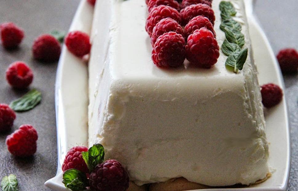 Творожный десерт без выпечки  Поцелуйчик : простое в приготовлении, вкусное и полезное лакомство