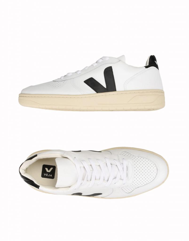 Почему из обуви стоит отдать предпочтение кроссовкам и чем руководствоваться при выборе