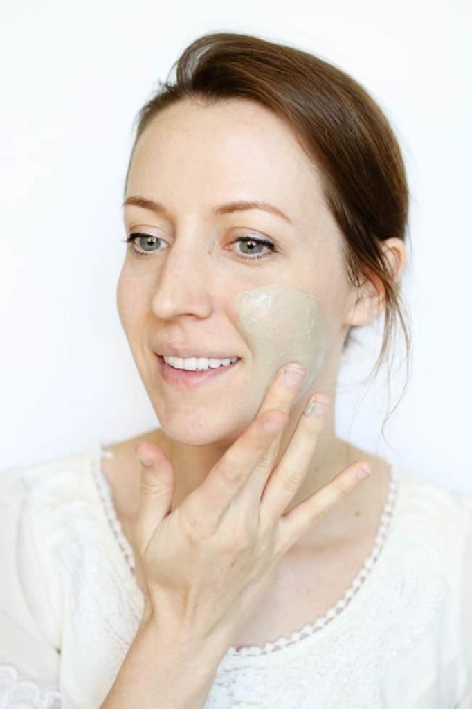 Как сделать домашнюю пузырьковую маску: она прекрасно очищает поры