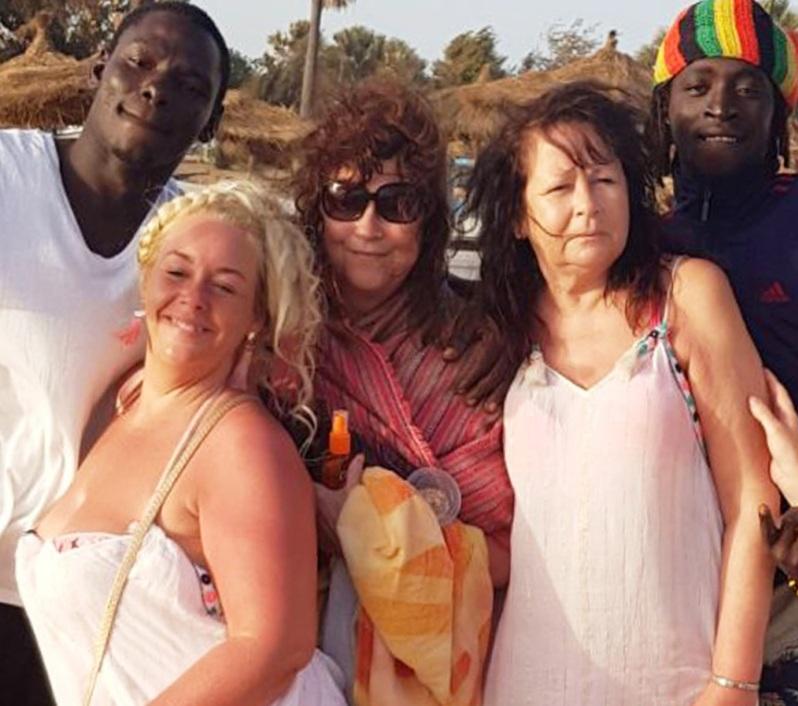 Привезла мужа из Африки. 70-летняя женщина слишком поздно поняла, что молодому супругу нужны лишь виза и деньги