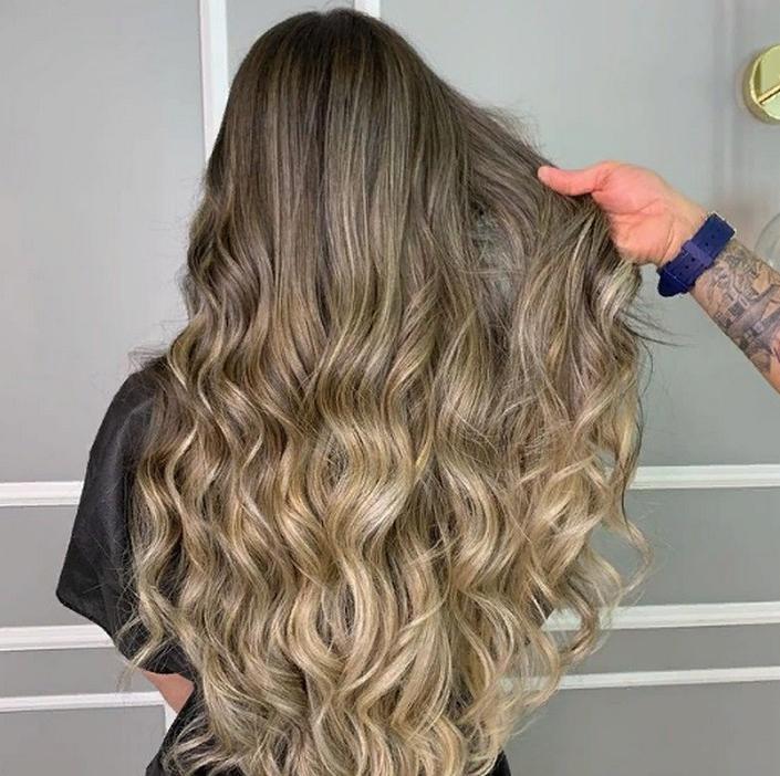 Оттенки волос, которые помогут женщинам выглядеть моложе