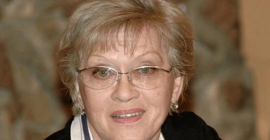 Неелова выложила фото с 86 летней Фрейндлих: морщинки и возрастная пигментация