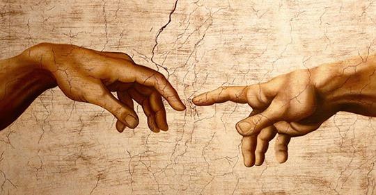 Почему пальцы Бога и Адама не соприкасаются на знаменитом произведении искусства?