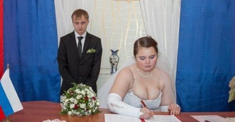 Когда невесты показали в декольте больше, чем было нужно…
