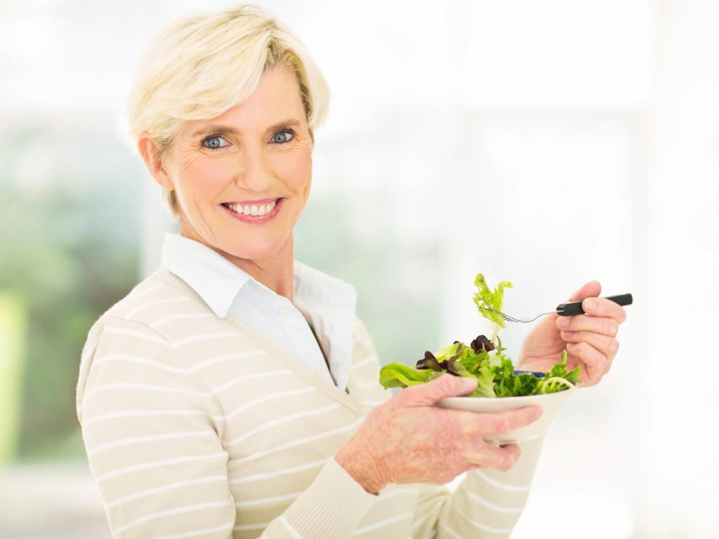 Диетолог советует женщинам после 40 лет пересмотреть свой рацион питания